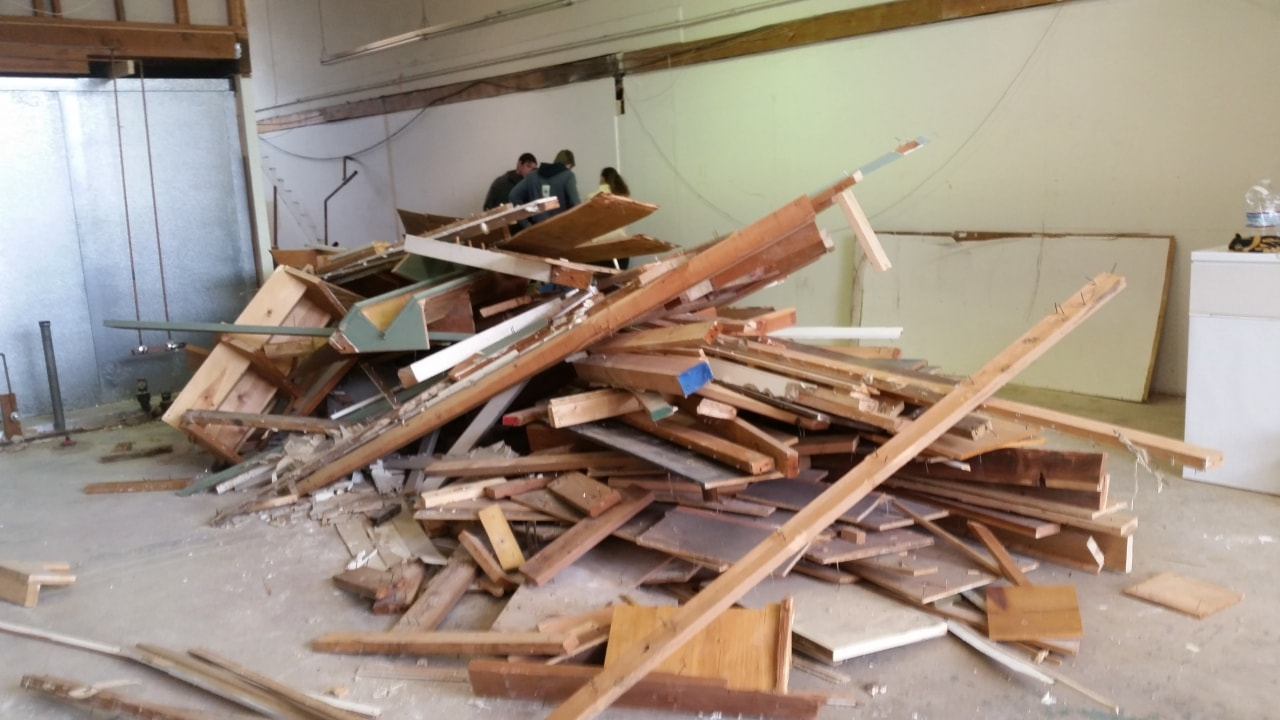 Drywall And Wood Construction Debris Removal Oakland Ca