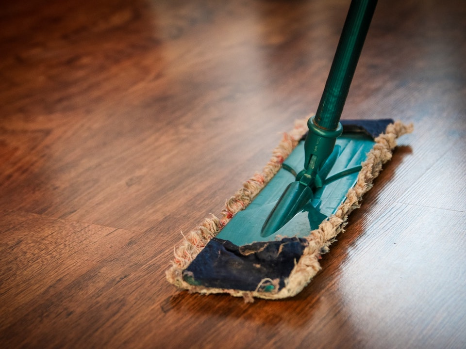 Cleaning Tips and DIY Cleaner Recipes